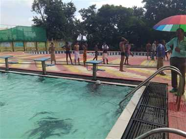 पूल प्रभारी बदलने पर मिली तैराकों को अभ्यास की सुविधा