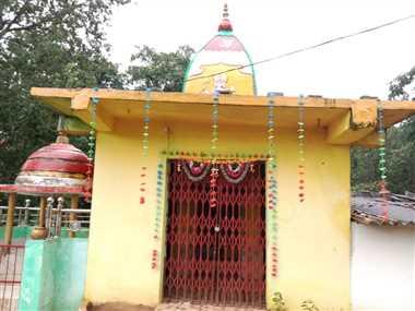 जहां हुई बेटे गणेश की मौत, मुआवजे के पैसे से वहीं बनवाया विघ्नहर्ता का मंदिर