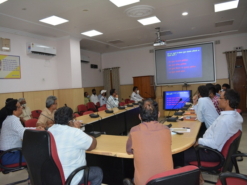 Rail News in Bilaspur: हिंदी प्रश्नमंच प्रतियोगिता में आनंद प्रथम व पुलकित रहे दूसरे स्थान पर