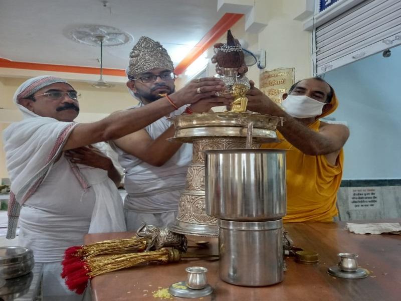 Bhopal Dharm Samaj News: पर्युषण पर्व दौरान जिनालयों में हुई सत्य धर्म की आराधना