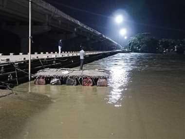 ऊफनी शिवनाथ नदी, बारिश थमते ही बाढ़ का खतरा टला