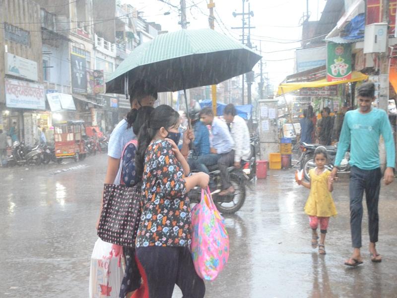 Gwalior Weather News: दिनभर छाए बादल, शाम को 10 दिन ही झमाझम, बुधवार को भी आसार