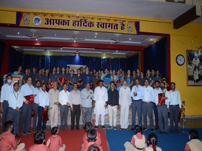 Bhopal News: शिक्षक दिवस के 10 दिन बाद संस्कार संस्था ने किया शिक्षकों का सम्मान