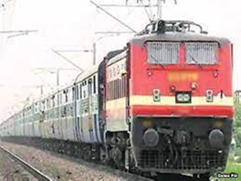 Gwalior Railway News: भोपाल एक्सप्रेस से टकराई फिश प्लेट, हादसा टला
