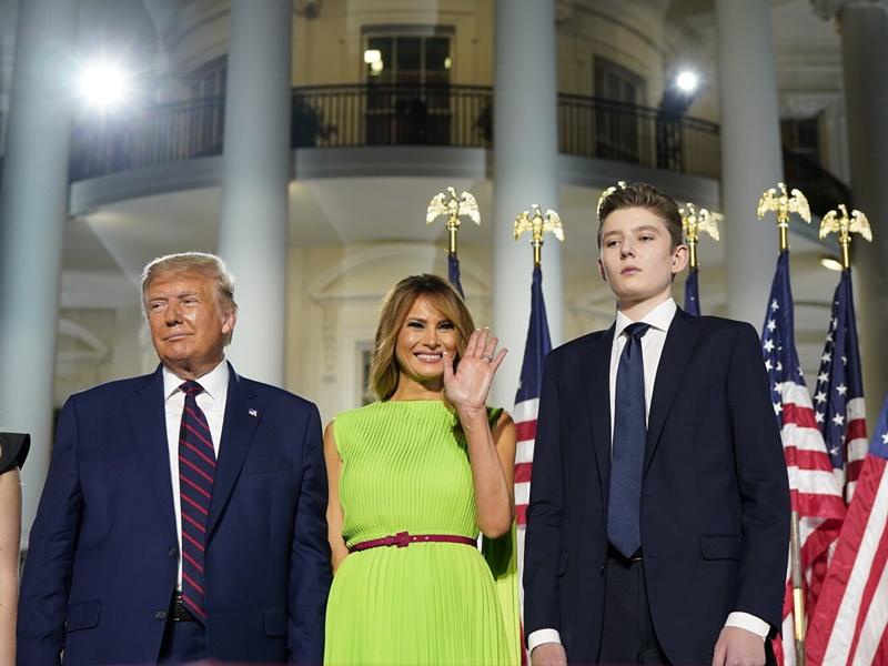 Donald Trump के बेटे भी हुए कोरोना संक्रमित, ट्रंप की पत्नी मेलानिया ने यह कहा