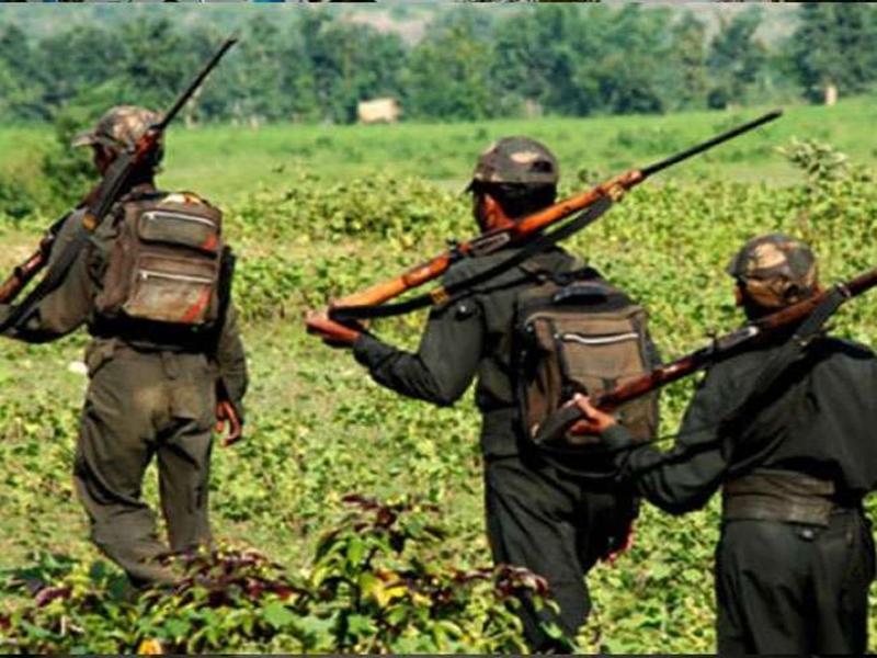 Chhattisgarh News : छत्तीसगढ़ से सटे ओडिशा के 151 गांवों में नक्सल फरमान, मोबाइल रखा तो मिलेगी मौत