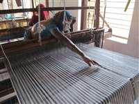 Chhattisgarh News: सूती और हैंडलूम कपड़ों की कीमतें 35 फीसद बढ़ी