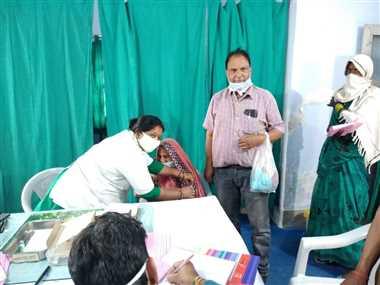 बंगवार डिस्पेंसरी में कोविड-19 का टीकाकरण कार्यक्रम रहा सफल
