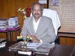 Bilaspur News: मुक्त विश्वविद्यालय के कुलपति डा.बंश गोपाल सिंह का कर्मचारियों ने नाम पत्र
