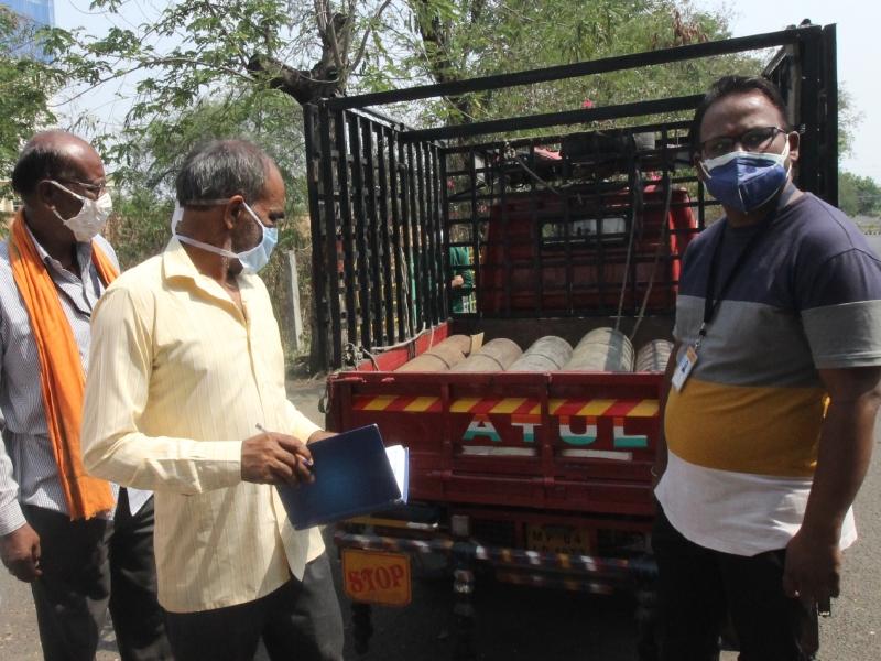 Oxygen Shortage in Bhopal: प्राणवायु का संकट... अस्पताल संचालक कह रहे-ऑक्सीजन की व्यवस्था कर लो, तभी भर्ती करेंगे तुम्हारा मरीज