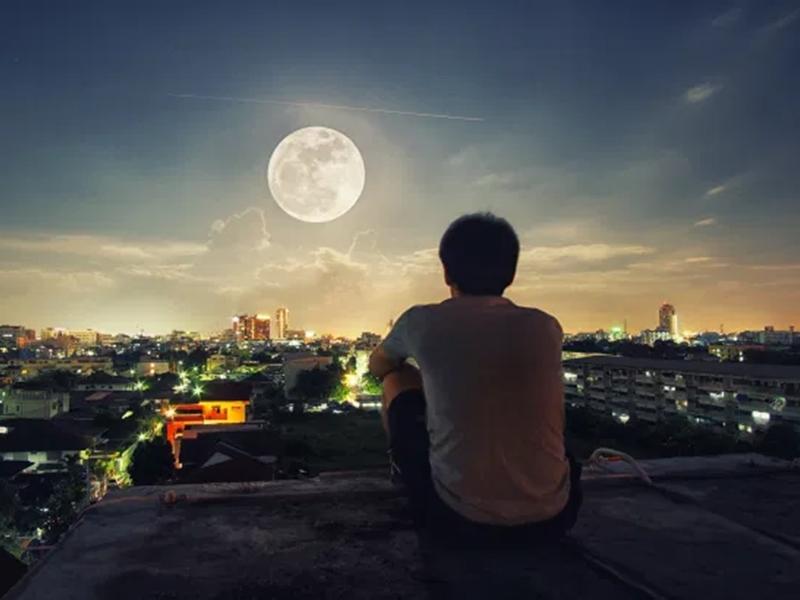 Ganesh Chaturthi 2021: गणेश चतुर्थी की रात नहीं देखना चाहिए चंद्रमा, पढ़िए इसके पीछे की पौराणिक कहानी