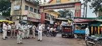 शाहपुर में निकाला पुलिस का फ्लैग मार्च