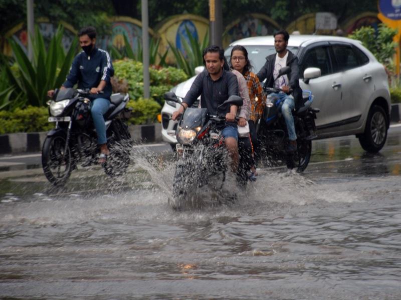 MP Rain Updates: ग्वालियर, होशंगाबाद समेत 30 से अधिक जिलों में भारी बारिश के आसार