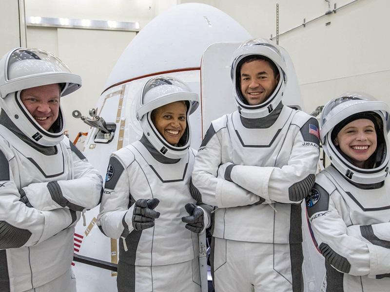 SpaceX Inspiration4: स्पेस एक्स ने रचा इतिहास, पहला 'आल-सिविलियन क्रू' लांच, देखिए वीडियो