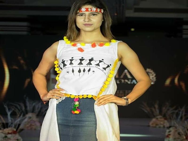 Art Of Bastar: बस्तर की कला को कपड़ों पर उकेरकर छत्तीसगढ़ का नाम किया रोशन