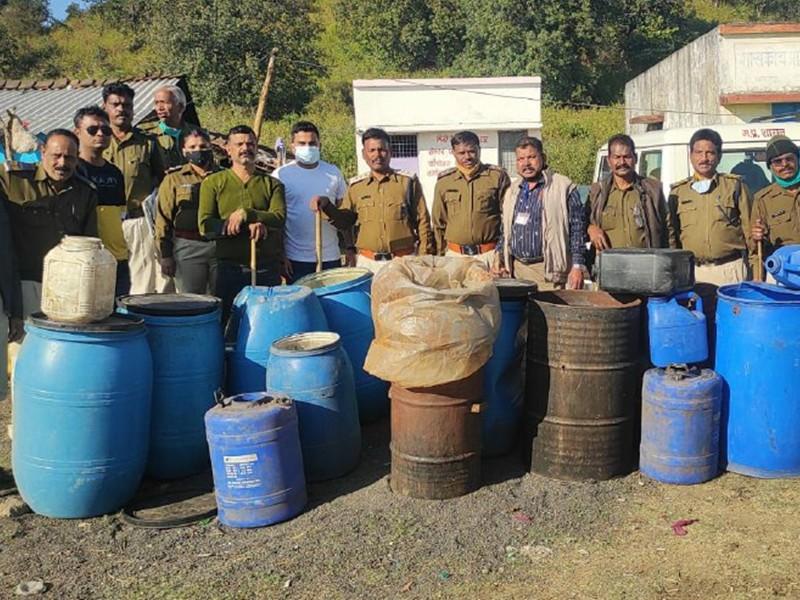 Jabalpur News: नर्मदा किनारे सुलग रही भट्ठी, कुचबंधिया मोहल्ला में महिलाएं घर से बेच रहीं शराब