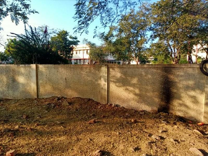 Jabalpur News: सुरक्षा दीवार की ऊंचाई कम, चोरों को रोकने में नाकाम