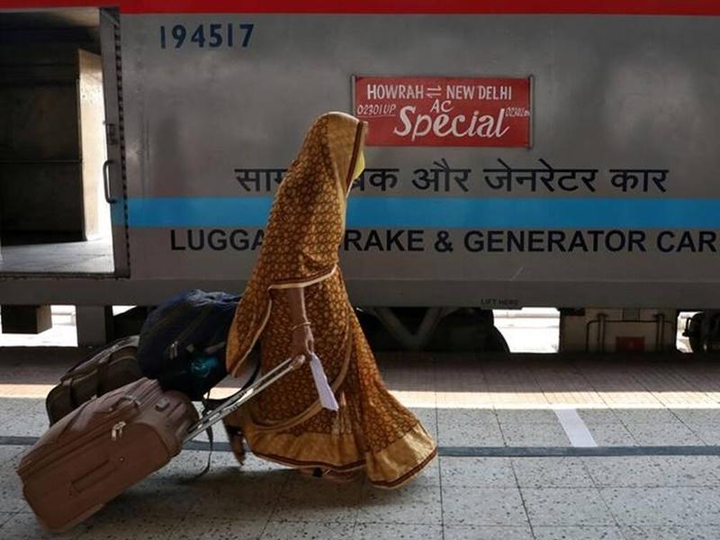 Indian Railways: कोरोना के हाहाकार के बीच क्या रेलवे बंद करने जा रहा सभी ट्रेनें, पढ़िए आधिकारिक बयान