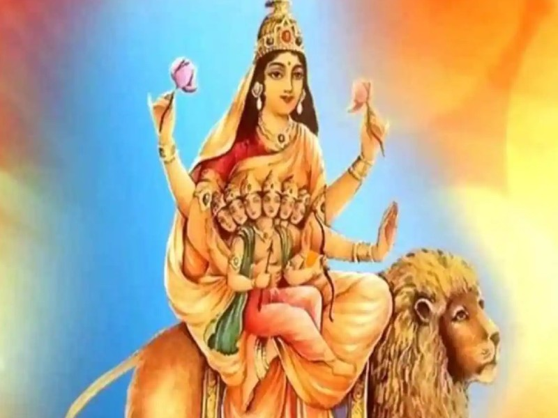 Navratri 2021 Day 5: नवरात्रि के पांचवे दिन करें मां स्कंदमाता की पूजा, जानिए आरती, मंत्र और पूजा विधि