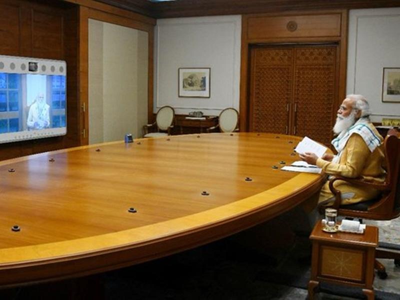Corona Latest: PM Modi की अधिकारियों संग समीक्षा बैठक,राज्यों को पूरी मदद का दिया निर्देश