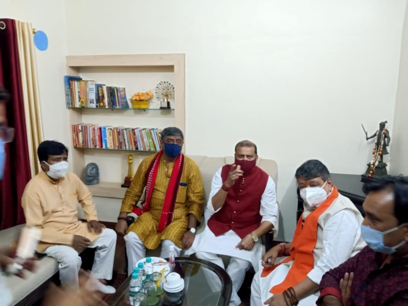 Gwalior Political News: पश्चिम बंगाल में पहले चार दल, अब केवल नीला रंग आैर भगवा है