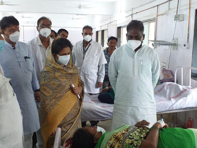 स्वास्थ्य मंत्री डा प्रभुराम चौधरी ने देवास जिला अस्पताल का किया निरीक्षण