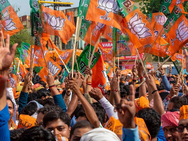 LIVE: महाराष्ट्र ग्राम पंचायत चुनाव में भाजपा सबसे आगे, शिवसेना तीसरे नंबर पर, अब तक BJP 3263, NCP 2999, शिवसेना 2808