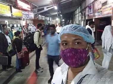 अगले छह माह ट्रेन में बिना मास्क के दिखे तो पांच सौ रुपये जुर्माना