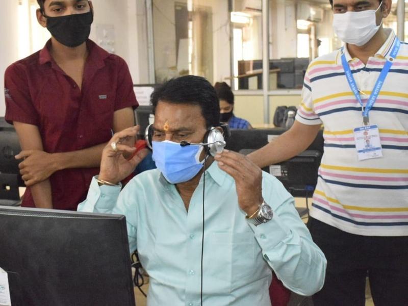 Indore News: होम आइसोलेशन कॉल सेंटर का निरीक्षण करने पहुंचे सिलावट