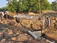 Bus Accident in Ambikapur: रायपुर से झारखंड जा रही बस पलटी, कई यात्री घायल
