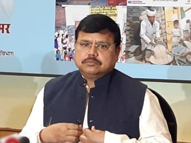 Madhya Pradesh News: कंपनी ने माना, ग्राहक सेवा केंद्र उपभोक्ताओं को देता है दगा