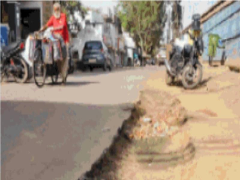 Gwalior Common Man News: सड़कों पर ग्लो ग्वालियर, गलियां अमृत से उखड़ी
