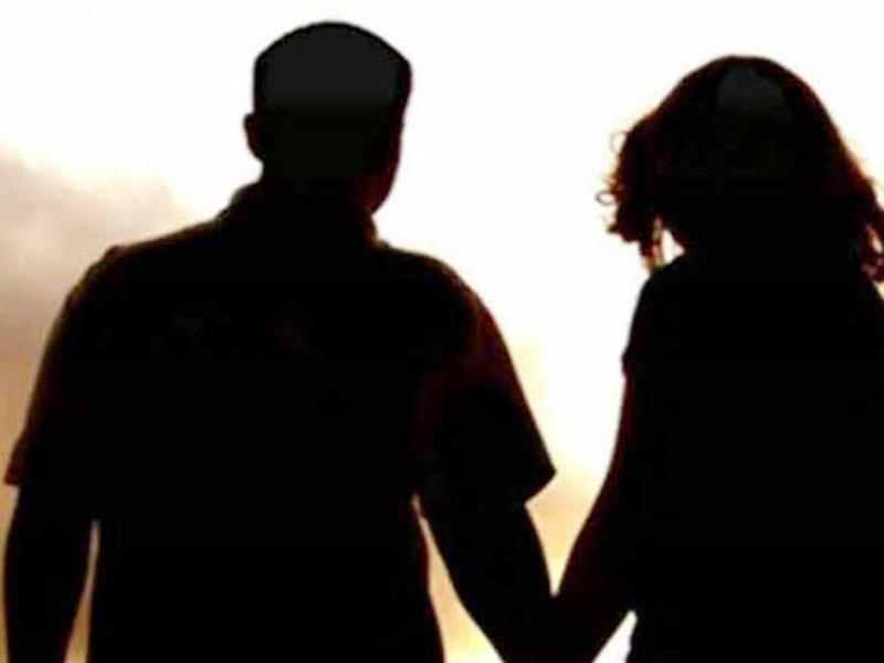मुंबई में पत्नी से बोला, कोरोना है बचूंगा नहीं, प्रेमिका के साथ इंदौर में मिला