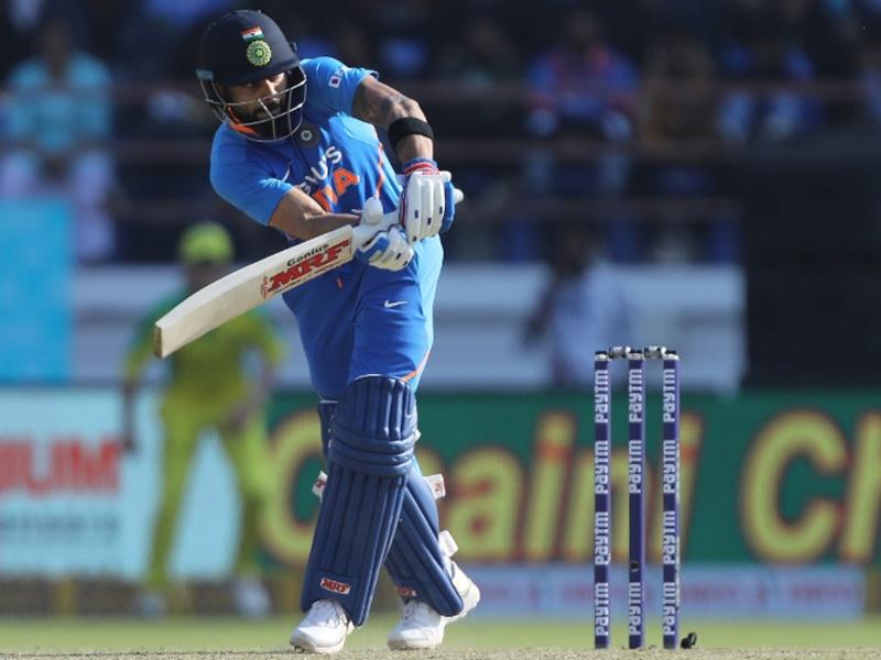 17 रन बनाते ही MS Dhoni का वर्ल्ड रिकॉर्ड तोड़ देंगे Virat Kohli