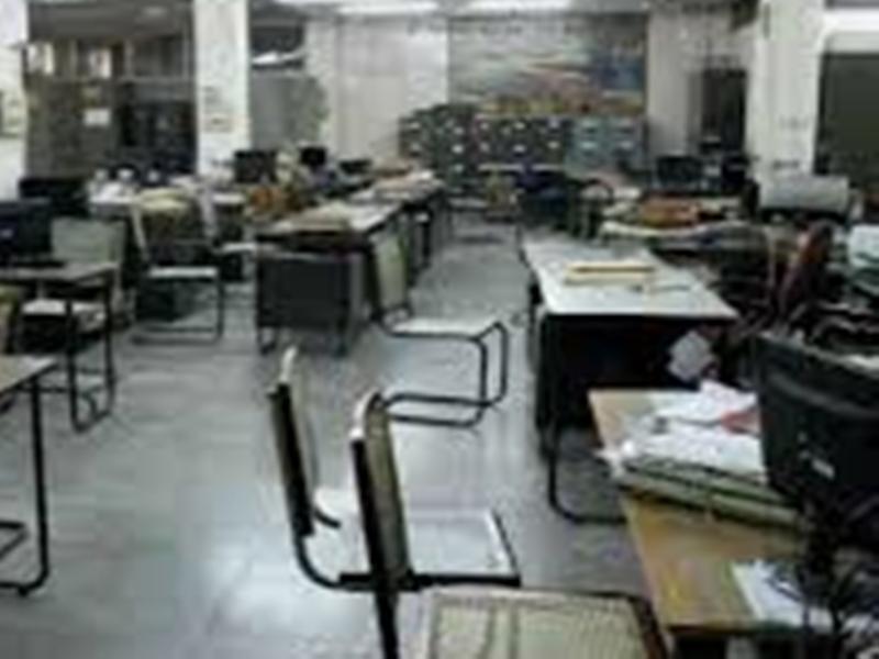 Corona virus effect in Madhya Pradesh : सरकारी कार्यालयों में कर्मचारियों की उपस्थिति सीमित करने का निर्णय
