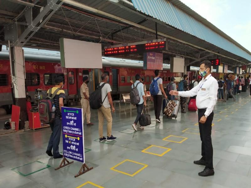 रेलवे ने की पहल: आरटी-पीसीआर रिपोर्ट वाले यात्रियों के लियेजोधपुर स्टेशन पर बनाया ग्रीन चैनल