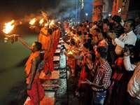 Ganga Dussehra Totke: गंगा दशहरा पर आजमाएं यह छोटा सा टोटका,  मिलेगी अपार धन-संपत्ति और अच्छी सेहत