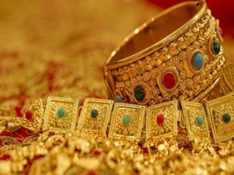 Gold Rate: त्योहारों की मांग के भरोसे गोल्ड डीलर, देश में लगातार पांचवें हफ्ते सोने पर डिस्काउंट की पेशकश