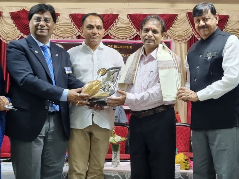 Bilaspur News: विकास के साथ धर्म एवं समाज को लेकर साथ चलें: कुलपति