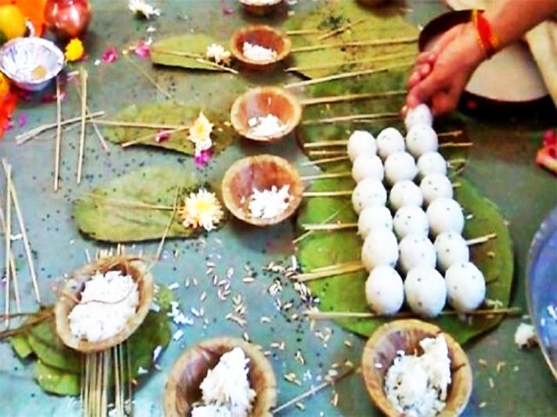 Pitru Paksha 2021: पूर्वजों के प्रति कृतज्ञता व्यक्त करता है श्राद्ध पक्ष, जानें क्या है धार्मिक महत्व