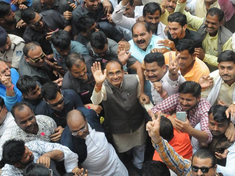 Madhya Pradesh News : नई सरकार के गठन को लेकर भाजपा जल्दबाजी में नहीं, बैठक टली