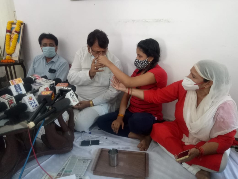 Coronavirus Bhopal News: भोपाल, इंदौर में सरकार मिलिट्री को सौंपे संक्रमण रोकने की व्यवस्थाएं : पीसी शर्मा