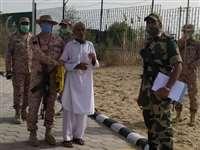 Rajasthan: भारतीय सीमा में गलती से घुसा पाकिस्तानी नागरिक, BSF ने पाक रेंजर्स को सौंपा
