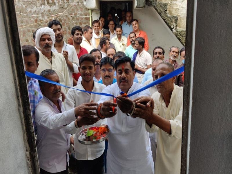 Bhopal News: कोड़िया में विधायक रामेश्वर शर्मा ने कराया पीएम आवास योजना के हितग्राहियों का गृह प्रवेश