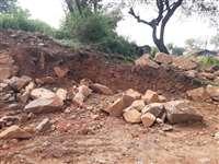 Chhattisgarh News: अब पहाड़ काटकर कब्जा कर रहे भू माफिया