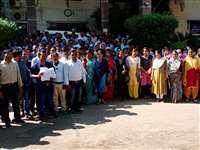 CIMS News in Bilaspur: 59 दिनों बाद सिम्सकर्मियों की हड़ताल खत्म, काम पर लौटे