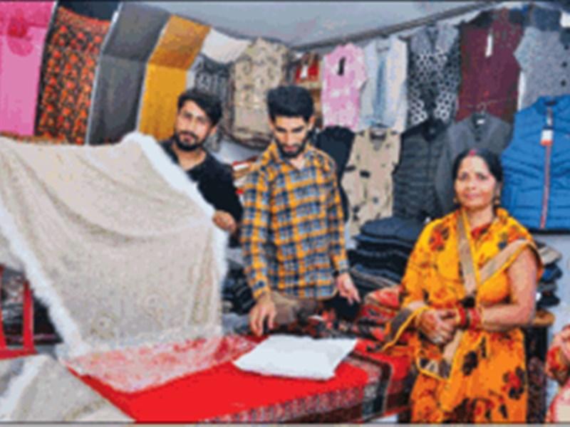 Pashmina Shawl : तार फेंसिंग में फंसे भेड़ के बाल से 3 महीने में तैयार करते हैं पश्मीना शॉल
