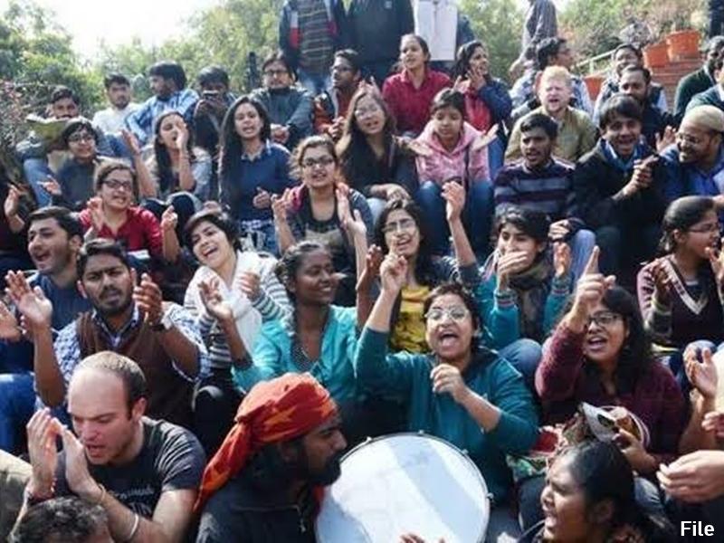 JNU ने किया खंडन, कहा-कैंपस में पढ़ रहे 82 छात्रों की राष्ट्रीयता की है जानकारी