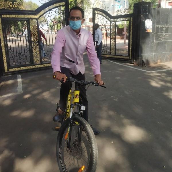 Jabalpur News: कार्बन फ्री बनाने यूनिवर्सिटी माह में एक बार बनेगी ग्रीन जोन