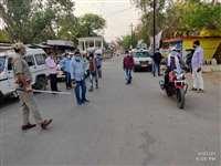 टीकमगढ़ः बाजार में लगे फल ठेलों को प्रशासन ने किया जब्त